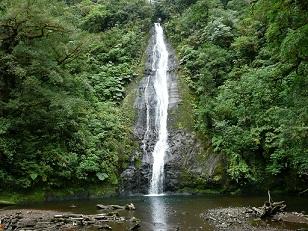 El Silencio- waterfall