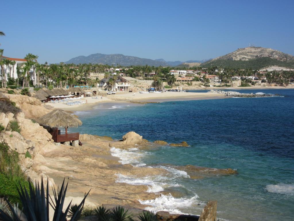 pelican beach2
