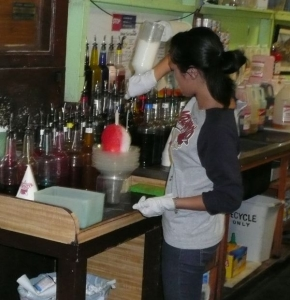 Making Shave Ice at Matsumotos in Oahu