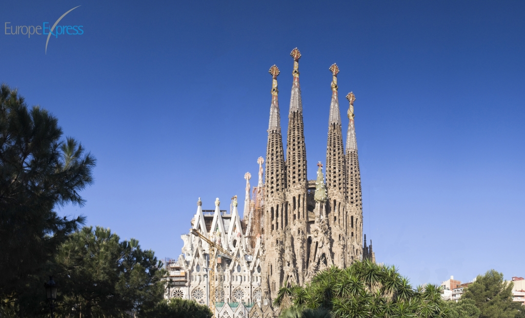 Barcelona-sagrada-familia-edited