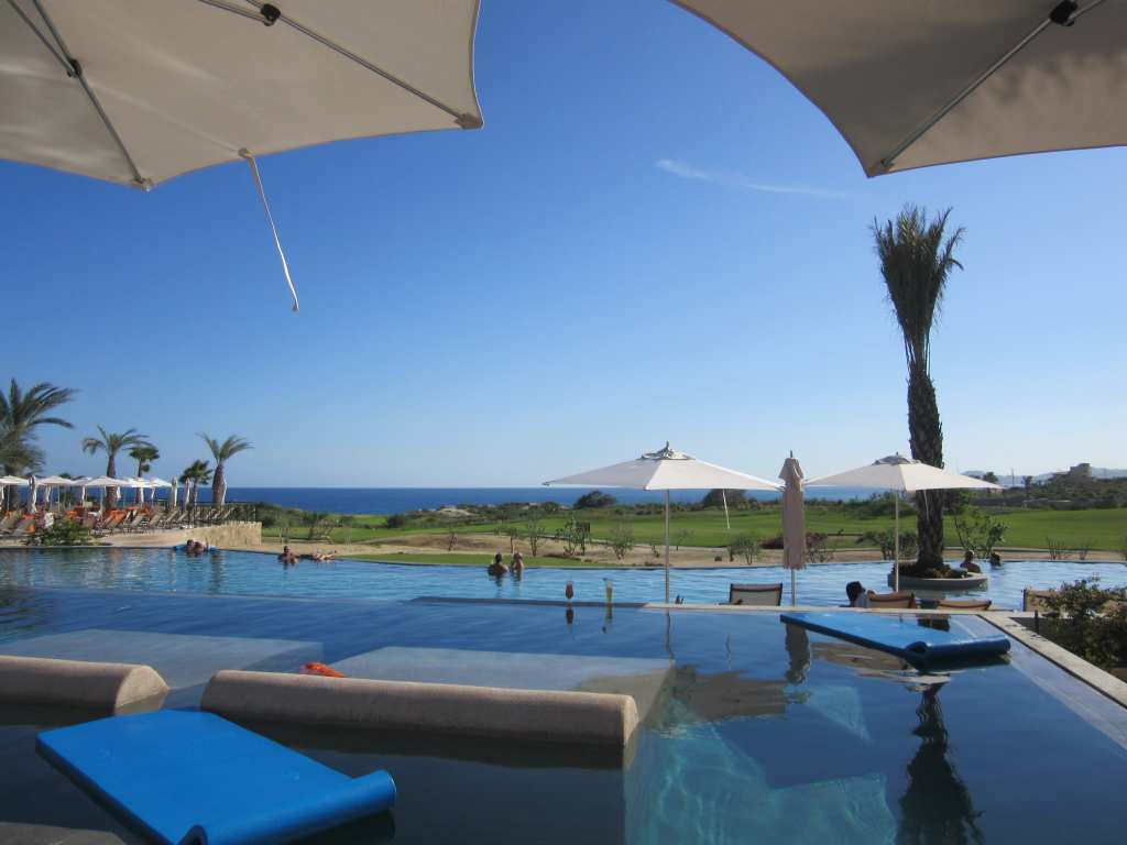 Infinity pool at Secrets Puerto Los Cabos