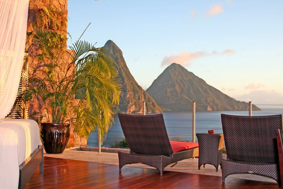 waking up to the pitons